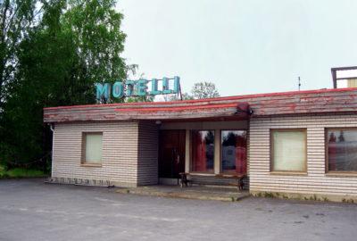 vanha pieni motelli